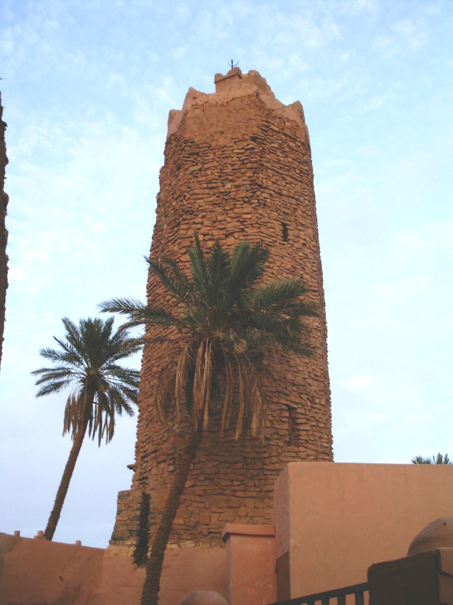 اقصى المغرب °ˆ~*¤®§(*§--فكيك مدينة القصور Mosquee_Pierre_03.JP