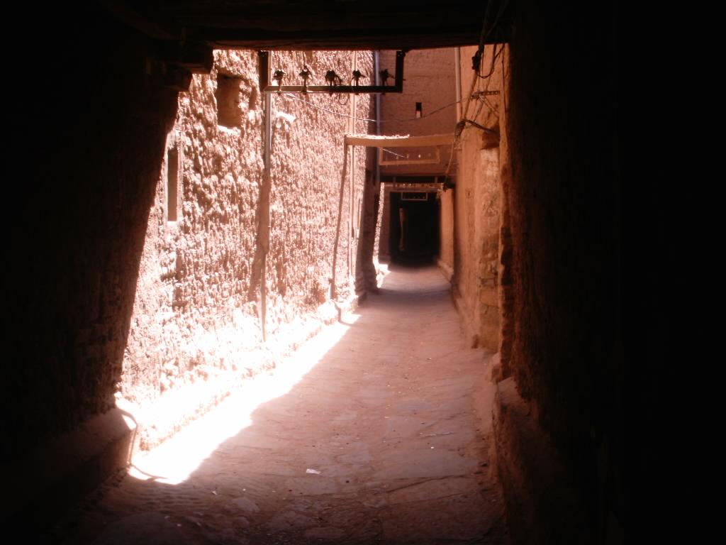 اقصى المغرب °ˆ~*¤®§(*§--فكيك مدينة القصور Rue_Figuig_01.JPG